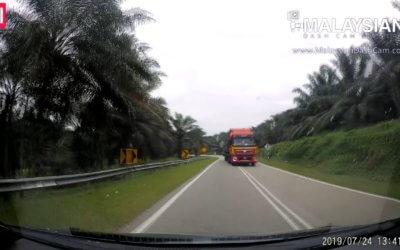 Cut Off / Near Miss Car Videos #2